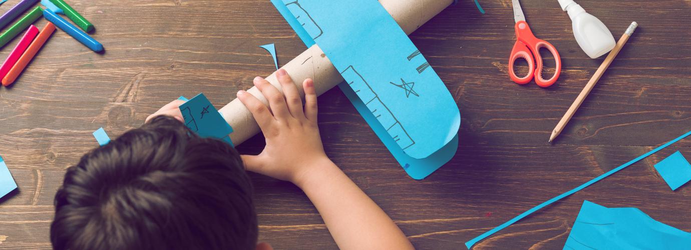 Comment Faire Un Avion En Carton