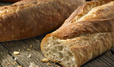 Comment bien décongeler du pain au micro-ondes ?