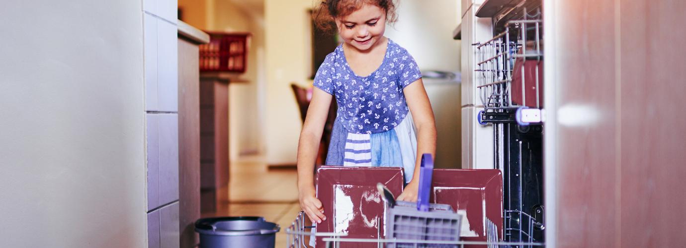 Comment nettoyer son lave-vaisselle pour des résultats impeccables ?