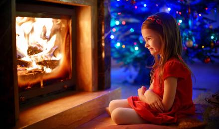 Comment nettoyer la vitre d'insert de cheminée pour qu'elle brille de mille feux ?