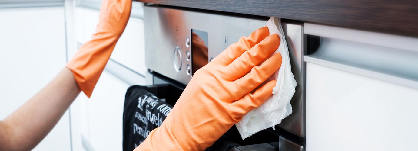 Hoe maak je een oven schoon?