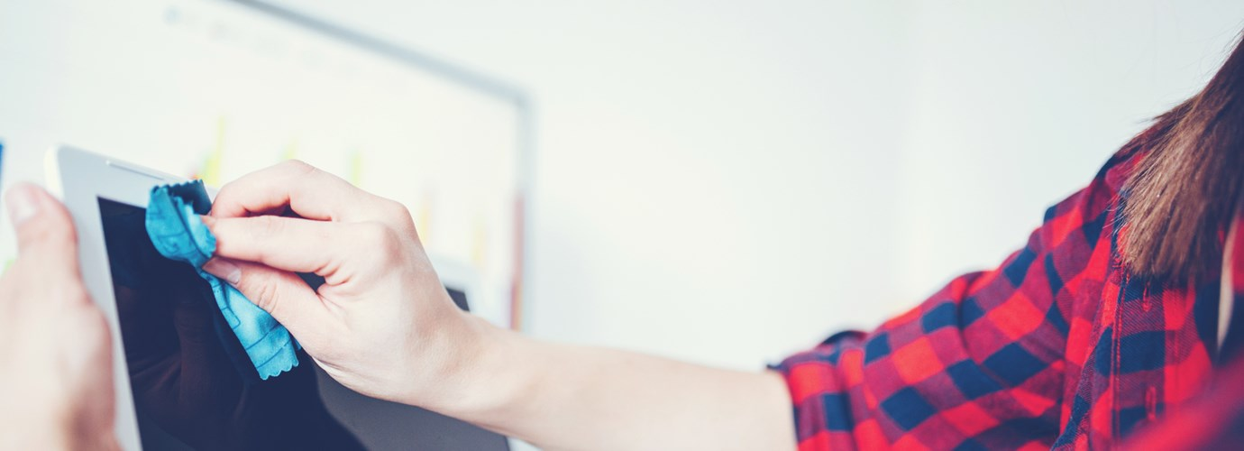 Zo kun je een laptopscherm en -toetsenbord schoonmaken