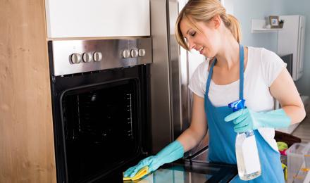 Comment faire un nettoyant four naturel