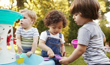 5 idées de jeux d'eau pour les enfants