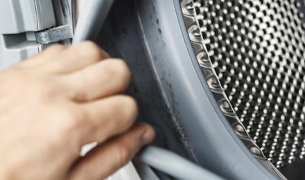 Comment nettoyer un joint de machine à laver encrassé