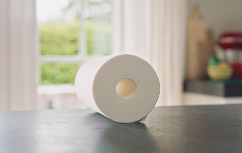 Un essuie-tout sans tube